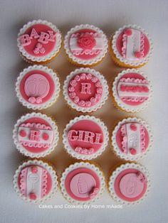 Geboorte cupcakes meisje