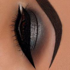 Maquiagem - sombra black - veja 20 ideias e escolha a sua! #maquiagemtop #maquiagemprofissional #cursodemaquiagem Night Makeup, Eye Makeup, Cool Things To Make, Make Up, Makeup Inspo, Red Lips, Makeup Looks, Fantasy, Blog