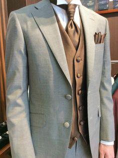 【千鳥格子 新郎様衣装】 結婚式の新郎タキシード/新郎衣装はメンズブライダルへ Pants Drawing, Man Style, Suit Fashion, Formal Dresses, Wedding Dresses, Tuxedo, Mens Suits, Groom, Suit Jacket