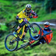 Nih #sepedacadas dari @mike_peffers_photography   Tag 3 kerabat/temen #gowesbareng kamu yang suka atau pengen sepeda ini   punya #sepedacadas juga? tag @sepedacadas dan gunakan hashtag #sepedacadas buat kami repost   #sepeda #sepedagunung #sepedaindonesia #sepedacadas #gowes #mtb #gowesbareng #gowesbareng #pengensepeda #pengentraveling  #mtbindonesia
