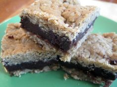 Best dairy-, egg- and nut-free oatmeal fudge bar from Food Allergy Mama! So good!