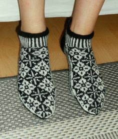 2020 Veljeni tytölle varretomat Socks, Slippers, Fashion, Moda, Fashion Styles, Sock, Slipper, Stockings, Fashion Illustrations