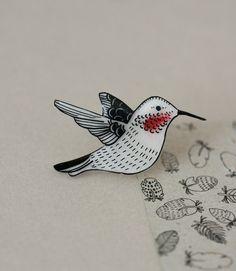Hummingbird Pin by LilaRubyKingShop on Etsy