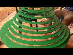 how to make your own Amazing christmas tree ~ navidad arbol Baby Christmas Crafts, Cardboard Christmas Tree, Metal Christmas Tree, Cone Christmas Trees, Modern Christmas, Christmas Tree Toppers, Christmas Projects, Christmas Tree Decorations, Simple Christmas
