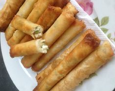 Recept voor Turkse kaassigaren. Ik heb hier loempiavellen gebruikt van de Chinees. Je kan ook filodeeg gebruiken, dan zou ik …