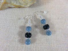 Boucles d'oreilles, bijoux femme, boucles avec perles grise et bleu, bijoux fille, Boucles d'oreille perle de verre, boucles simple et chic de la boutique ArtKen6L sur Etsy