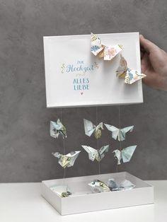 So könnt ihr aus Geldscheinen wundervolle Schmetterlinge basteln – ein wundervolles Geldgeschenk.