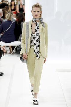 Tod's Spring 2016 Ready-to-Wear Fashion Show