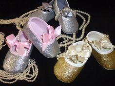 """Sapatinhos de festa """"Glitters"""" Tamanhos: 0-6 e 6-12 meses  Prata e Rosa - Ouro - Prata Preço 13€ (com portes incluidos para Portugal) Portugal, Sneakers, Wedding, Shoes, Fashion, Party Shoes, Sequins, Gold, Pink"""