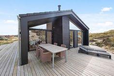 Lækkert feriehus med overdækket terrasse tæt på stranden Cabins, House Plans, House Design, Outdoor Decor, Home Decor, Patio, Decoration Home, Room Decor, House Floor Plans