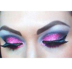 Use eye kandy bubblegum to create this look.