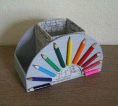 pot à crayons                                                                                                                                                                                 Plus Diy Arts And Crafts, Diy Crafts For Kids, Home Crafts, Fun Crafts, Cardboard Organizer, Pot A Crayon, Newspaper Crafts, Cardboard Crafts, Diy Box