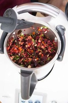 Hearty beetroot salad from Thermomix® - my magic top .-Kerniger Rote-Bete-Salat aus dem Thermomix® – mein ZauberTopf Hearty beetroot salad from Thermomix®️️️️️ – perfect for summer! Salad Recipes Healthy Lunch, Salad Recipes For Dinner, Chicken Salad Recipes, Healthy Lunches, Healthy Chicken, Crock Pot Recipes, Red Beets, Beet Salad, Fruit Salad