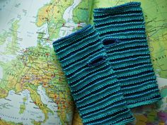 Mittens, Socks, Packaging, Knitting, Pattern, Fashion, Knits, Fingerless Mitts, Moda