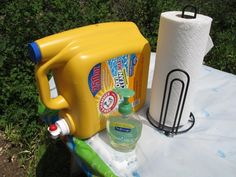 41 Must Know Camping Tricks To Make Life Easier It's nice to be able to wash your hands, especially while camping. Make a portable hand-washing station using a laundry-detergent dispenser. Fill it up with water, and use it just like a faucet. Camping Diy, Camping With Kids, Family Camping, Tent Camping, Camping Gear, Outdoor Camping, Diy Camping Shower, Camping Coffee, Camping Outfits
