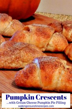 Pumpkin Cream Cheese Crescent Rolls with a sprinkle of cinnamon and sugar are perfect for breakfast, dessert or just a snack from Walking on Sunshine Recipes. Mini Pumpkin Pies, Pumpkin Spice Cookies, Cheese Pumpkin, Pumpkin Cream Cheeses, Pumpkin Bread, Pumpkin Rolls, Croissant, Pillsbury Crescent Roll Recipes, Pillsbury Dough