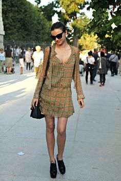 let's see that again... that dress is aces. #MirandaKerr #offduty in Paris.