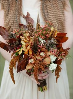 Fancy fall bouquet recipe by Cedarwood Weddings. #weddingchicks http://www.weddingchicks.com/2014/07/14/fall-inspired-wedding-bouquet/