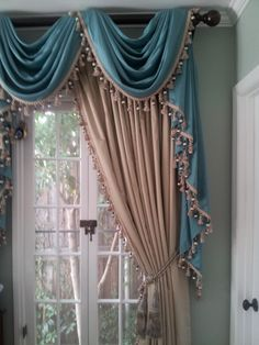 Traditional Curtains And Drapes Elegant Curtains, Beautiful Curtains, Curtain Decor, Window Decor, Traditional Curtains, Window Styles, Curtains, Curtains And Draperies, Home Curtains