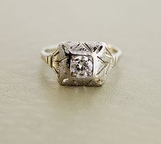 1920s  Deco Engagement Ring - 18k White Gold and Diamond Antique Ring