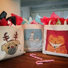 Pack your gifts, bring your goodies in our new pet lovers tote bags Unique Toys, Gifts For Pet Lovers, Love Pet, Paper Shopping Bag, Goodies, Reusable Tote Bags, Pets, Life, Sweet Like Candy