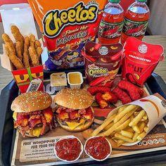 BK Double Bacon Cheese Burger, Pommes Frites, Flamin Hot Mac-N-Cheetos, Hähnchen Fries, . I Love Food, Good Food, Yummy Food, Best Junk Food, Comida Disney, Kreative Desserts, Sleepover Food, Junk Food Snacks, Food Goals