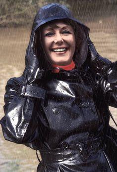Raincoats For Women Polka Dots Info: 6397388909 Black Raincoat, Pvc Raincoat, Plastic Raincoat, Heavy Rubber, Black Rubber, Mackintosh Raincoat, Parka, Black Mac, Long Leather Coat