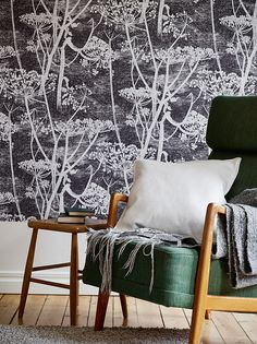 Cow parsley monochrome wallpaper by Cole & Son