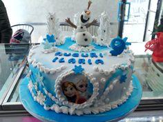 """Torta """"Frozen"""" decorata da Le torte di Sissi. Inviaci anche tu la tua torta tramite la nostra App gratuita per iPhone e Android."""