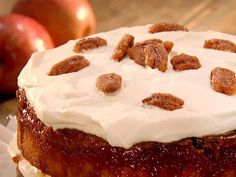 Upside-Down Apple Praline Cake - Paula Deen... Watched Paula make this today and was ready to eat my tv :)