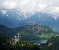 Beautiful Castles Around the World: Neuschwanstein, Bavaria, Germany