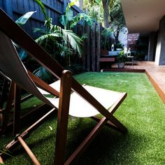 There are lots of affordable backyard landscaping ideas you can look into. For a backyard landscape upgrade, you don't need to spend so much cash to get an outdoor look that is easy and affordable. Small Backyard Design, Small Backyard Landscaping, Landscaping With Rocks, Backyard Ideas, Garden Ideas, Outdoor Ideas, Backyard Cabana, Garden Design, Backyard Seating