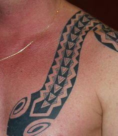 Thomas Hooper, Snake tattoo