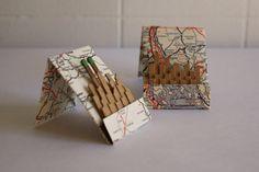 Cidade Matchbook Scape no mapa Vintage