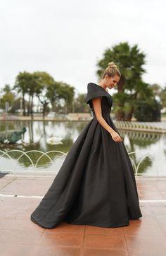 Mirian Pérez in the Tourmaline dress from #Pronovias2020 #Pronovias #PronoviasRedCarpet
