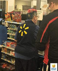 People Of Walmart - Funny Pictures of People Shopping at Walmart : People Of Walmart Funny Snapchat Pictures, Funny People Pictures, Funny Photos, Gif Pictures, Walmart Pictures, Walmart Shoppers, Only In America, Walmart Funny, People Of Walmart