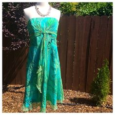"""Silk Laundry Shelli Segal Dress Sz 6 Stunning and delicate in shades of green and blue, this strapless dress from Laundry by Shelli Segal is a head turner and perfect for summer. 100% Silk Lining. Approx 35"""" in length. Side zipper with hook/eye closure, lined. In flawless, like new condition. From a pet and smoke free home. Laundry by Shelli Segal Dresses"""