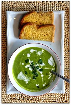 Spinach Soup with Cucumber and Basil   19 Delicious Slow Cooker Recipes With No Meat