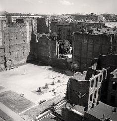 Rising from the Ruins - Pictures of Warsaw, Poland in 1950 ~ vintage everyday Warsaw Pact, Warsaw Poland, Central And Eastern Europe, Jewish History, 10 Picture, The Good Old Days, Capital City, World War Ii, History