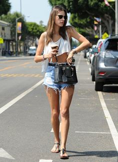 49e1e0ea62 Alessandra Ambrosio Photos - Model Alessandra Ambrosio stops to get a  caffeinated beverage before doing some