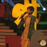 The special judge of this episode was legendary singer Asha Bhosle. The other special judge was popular singer Mika Singh. Kumar Sanu, Akriti Kakkar and Joy Sarkar who have been judging the contestants throughout the season graced the stage too. http://sholoanabangaliana.in/blog/2014/01/04/saregamapa-lil-champs-grand-finale-has-asha-bhosle-as-judge-finale-on-january-5/#ixzz2pQogFG3l