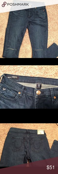 NWOT sz 28 True Religion Halle skinny jeans NWOT size NWOT size 28 True Religion Halle Mid Rise super skinny jeans. Stylish with slits in the knees and a darker wash. True Religion Jeans Skinny