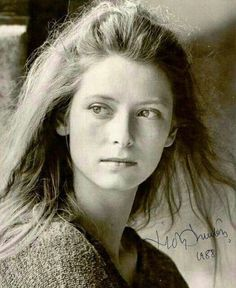 A young Tilda Swinton British Actresses, British Actors, Actors & Actresses, Interesting Faces, Best Actress, Timeless Beauty, Famous Faces, Belle Photo, Beauty Women