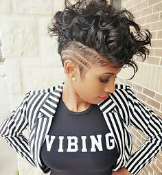 Vibing all things hair! in 2019 готы Hair Color For Dark Skin, Cool Hair Color, Hair Colors, Pixie Color, Mohawk Hairstyles, Shaved Hairstyles, Curly Hair Styles, Natural Hair Styles, Locks