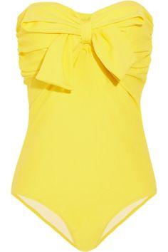 Operación bikini: bañador amarillo con maxi lazo de Miu Miu