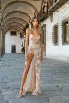 Berta Isn't Just for Brides - WedLuxe Magazine Source by dresses Evening Dresses, Prom Dresses, Formal Dresses, Wedding Dresses, Beauté Blonde, Sheer Fabrics, Look Chic, Bridal Looks, Beautiful Gowns
