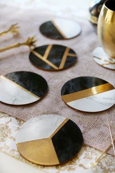 Glam Marble & Gold DIY Coasters Marble and Gold DIY Coasters – these are so easy to make! Check out the full tutorial on www.c… Source by Mojikot The post Glam Marble & Gold DIY Coasters appeared first on The Most Beautiful Shares. The Coasters, Gold Coasters, Marble Coasters, Ceramic Coasters, Pot Mason Diy, Mason Jar Crafts, Gold Diy, Marble Gold, Patterned Furniture