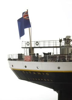 Titanic in miniature A model of the legendary ship, The Titanic, was built in England. The model ship is 48 smaller than the original. It took designers seven years to build the model. The miniature ship is 11 meters long. Lego Titanic, Titanic Sinking, Titanic Ship, Rms Titanic, Titanic Deaths, Titanic Poster, Titanic Model, Titanic Underwater, Titanic History