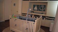 Hermos muebles para la recamara de bebe en madera estilo Aventejado