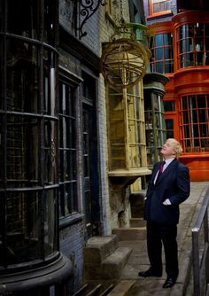 Boris Johnson, the Mayor of London, has revealed that you will be able to step onto the famous cobbles of Diagon Alley and take a peek into Ollivanders wand shop, Flourish and Blotts, the Weasleys' Wizard Wheezes, Gringotts Wizarding Bank and Eeylops Owl Emporium at Warner Bros. Studio Tour London